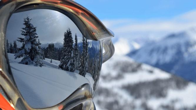 detail na lyžiarove okuliare